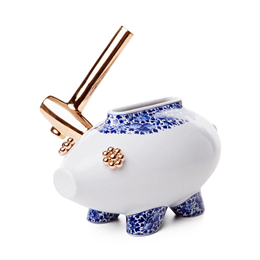 Moooi The Killing of the Piggy Bank